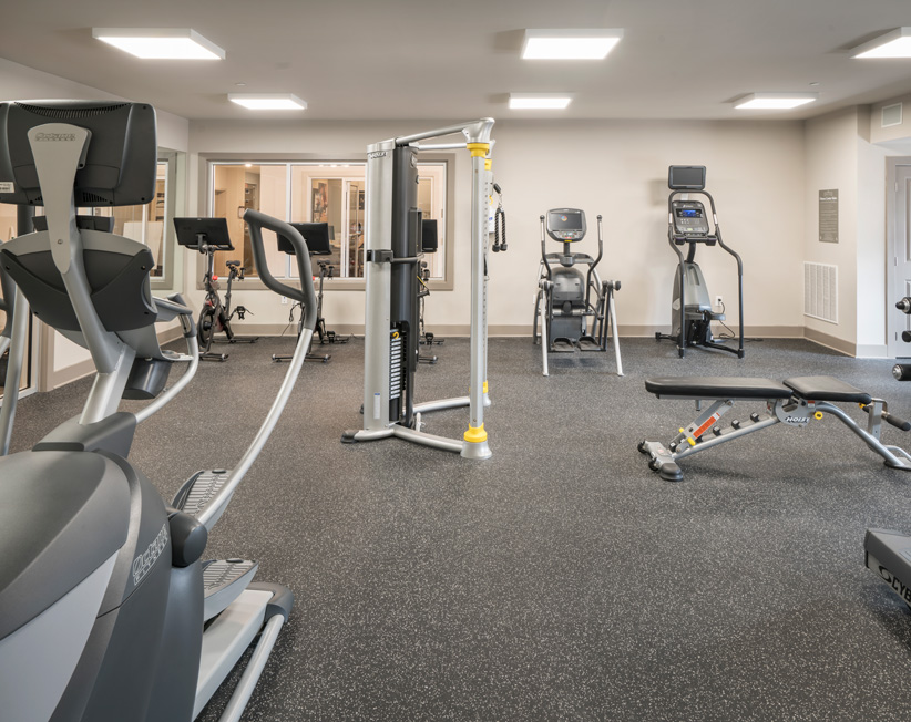 luxury apartment fitness center