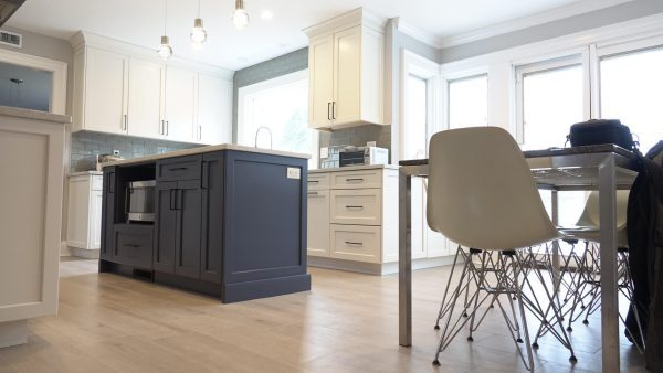 Mid-century modern two- toed kitchen with island