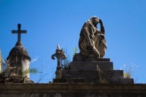 How to Choose Between Burial, Mausoleum Entombment and Cremation